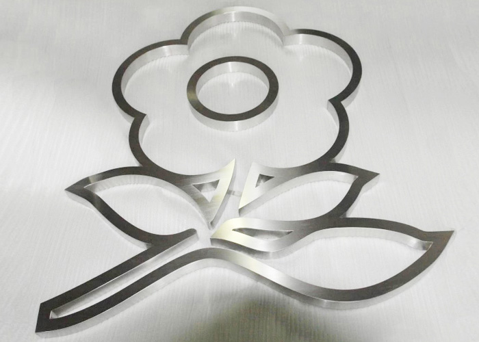 Fashion flower-shaped brushed stainless steel sign